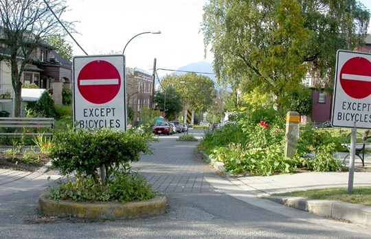 Traffic-Calming-Toronto_Matthew-Blackett